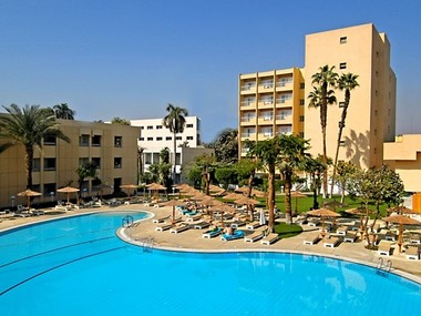 Gallery_Pool_El_Luxor